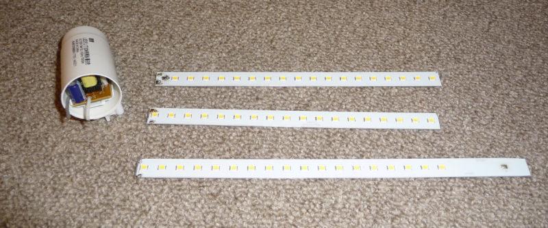 LEDラインライトの基板を回路毎に3分割した